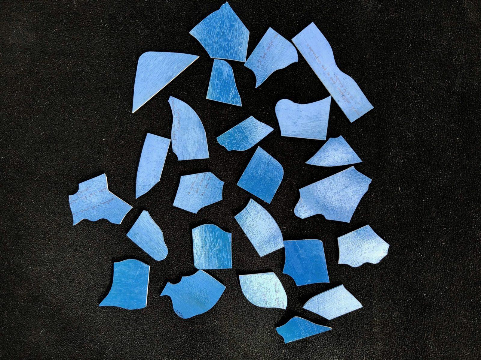 Puzzle bleu et citations